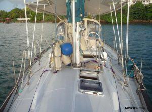 Morse Alpha sail training - Norseman 447 Rocinante - foredeck